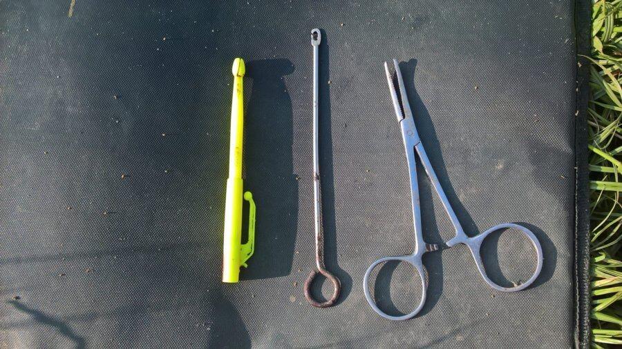 Tip#009: Jak na šetrné vyproštění háčku – peany a vyprošťovače